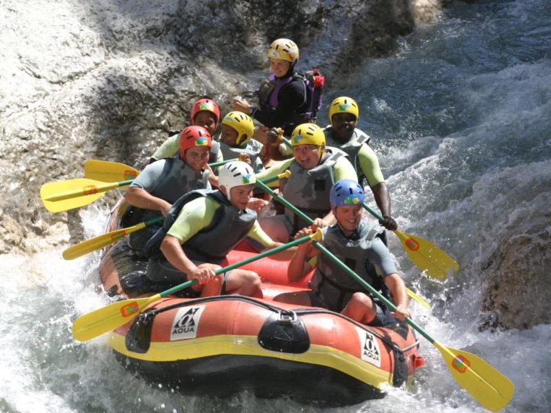 Rafting pour colonie de vacances aux Blacouas
