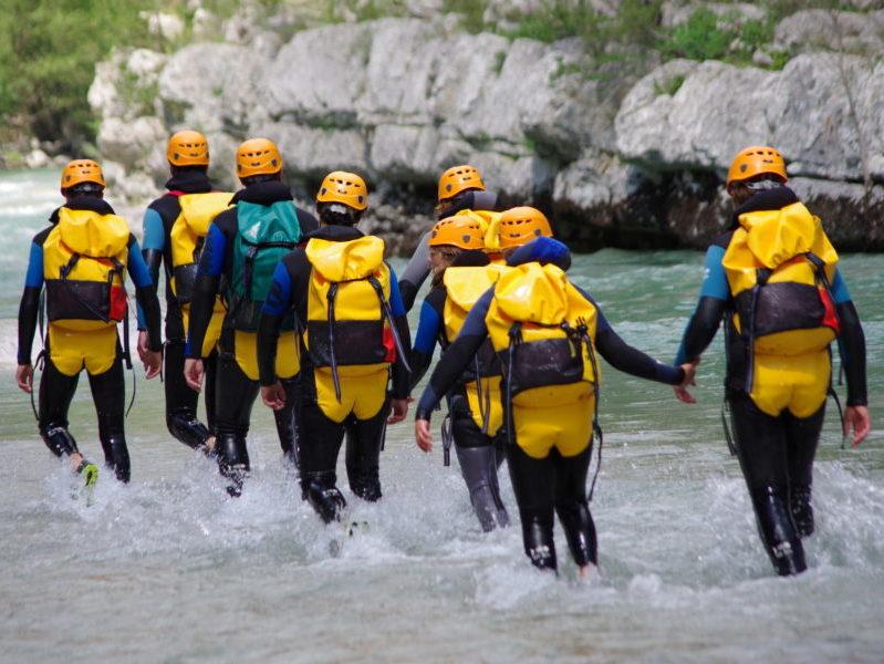 Aqua rando pour classe de découverte séjournant aux Blacouas