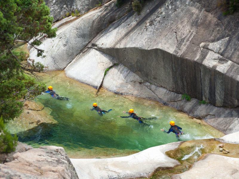Aqua rando pour colonie de vacances séjournant aux Blacouas
