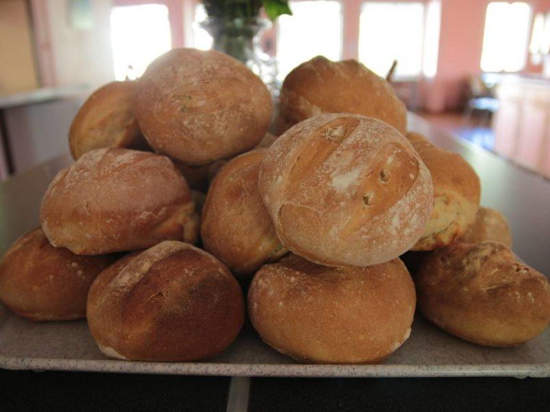 Atelier boulangerie pour colonie de vacances aux Blacouas